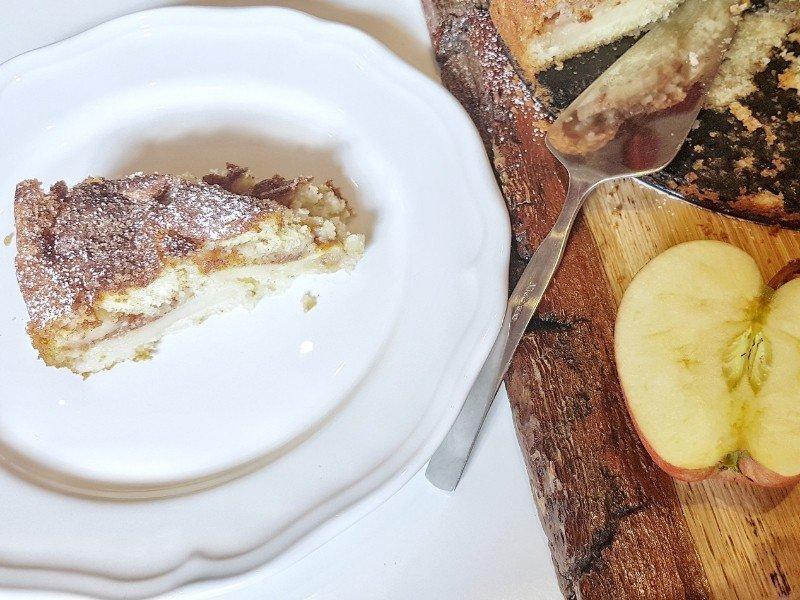 Saftiger Apfelkuchen Mit Zimt Zucker Kruste Simplylovelychaos