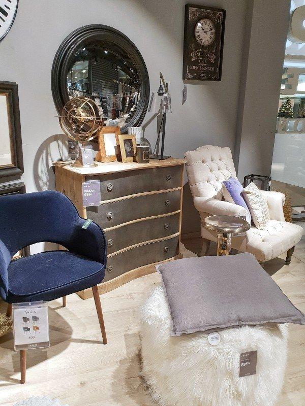 Maisons du Monde Zimmer blauer Sessel - SIMPLYLOVELYCHAOS