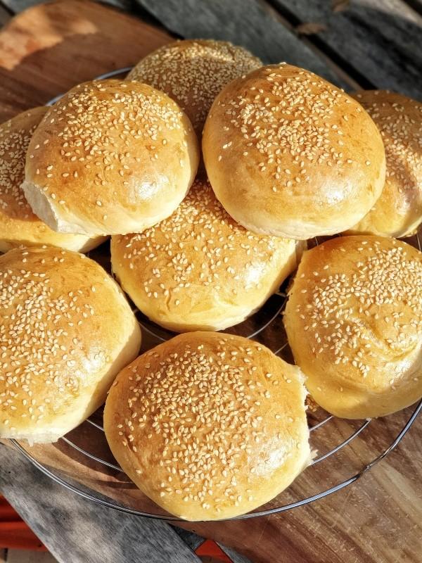 Burger Brötchen – Einfach und fluffig.